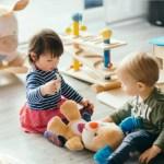 Чем занять ребёнка от года до трёх: умный план