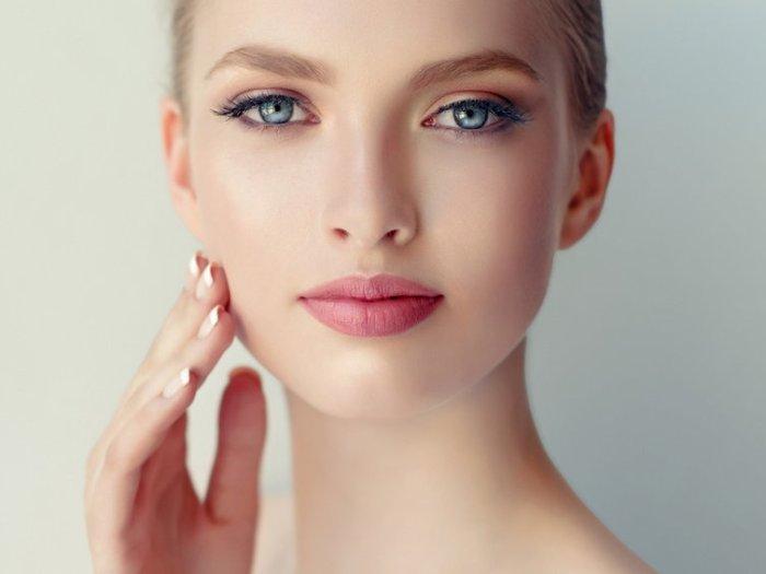 Какой можно делать макияж с проблемной кожей
