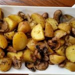Запеченный с грибами картофель
