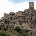 12 жутких заброшенных мест-призраков