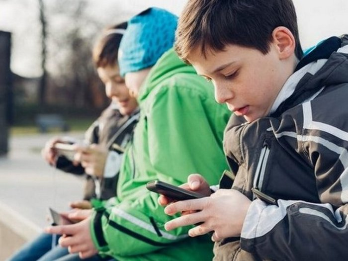 11 причин, почему не следует давать своему ребенку смартфон или планшет