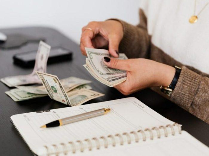 Ошибки с деньгами, которые мешают вам разбогатеть