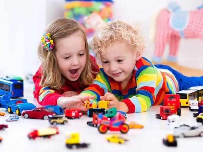 Как правильно выбрать полезную и безопасную игрушку для ребенка?