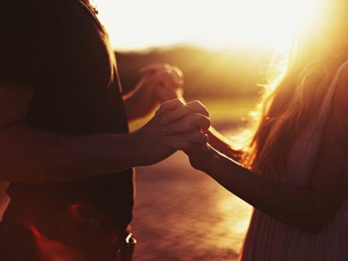 20 вопросов, которые помогут лучше узнать друг друга, спустя годы отношений!