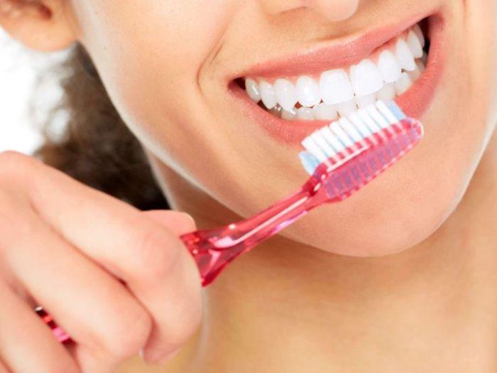 Как добиться белоснежных зубов