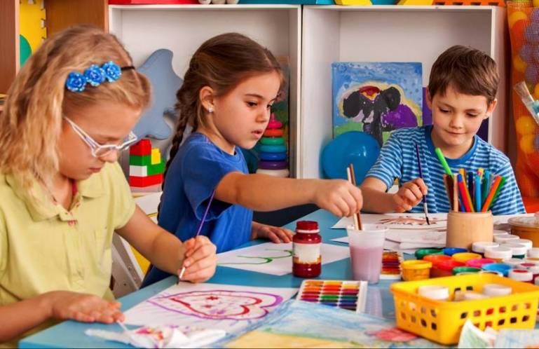 Преимущества и недостатки частных детских садов