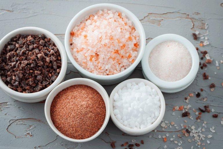 В чём соль? Насколько полезен и вреден этот продукт