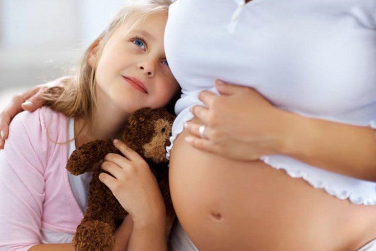 5 способов заставить малыша пошевелиться в животе