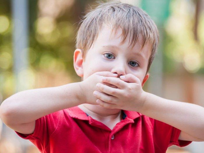 Слишком тревожный ребенок: чем это опасно и как действовать