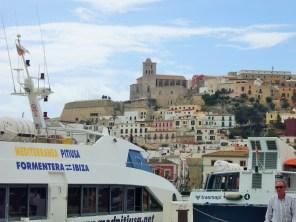 Ferrys en el puerto de Ibiza