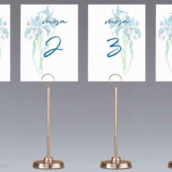 meseros lirios mesa boda flor