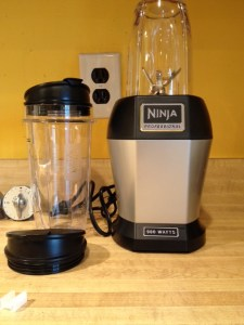The Nutri Ninja comes with a 900 watt motor, 2 containers/cups (18 & 24 ounces), and 2 lids for on the go smoothies.