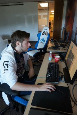 bOne7 during cloud 9's TI5 bootcamp in Seattle, taking a break from playing Heroes 3