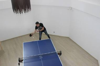 Ping pong session, at Vega's bootcamp house