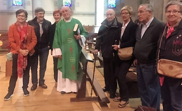 Bittor Garaigordobil ha posado junto a familiares y amigos FOTO. DOTB.EUS
