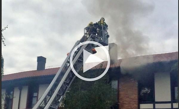 Momento del incendio de esta tarde FOTO: dotb.eus