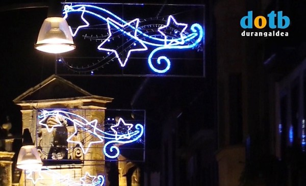 Ayer se encendieron las luces navideñas FOTO. dotb.eus
