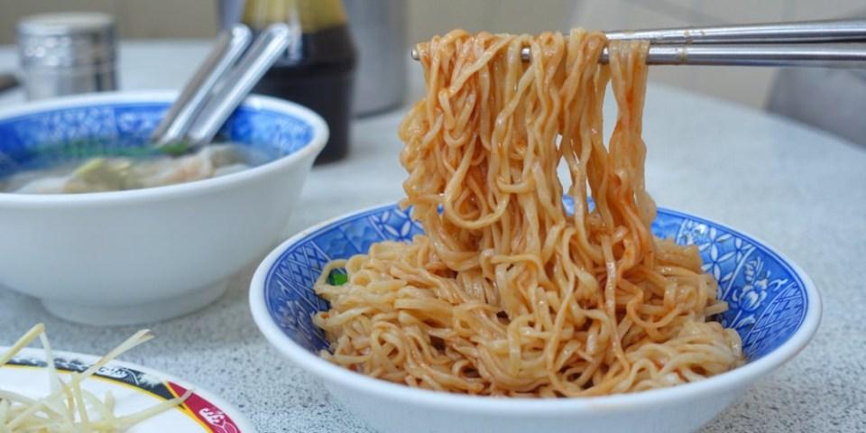迪化街小吃|意麵王 在地人推薦銅板美食 八十年古早味老麵店