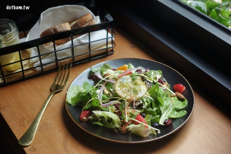 民生社區平價美食推薦|EGGY 什麼是蛋澳式早午餐,花草開放式用餐空間