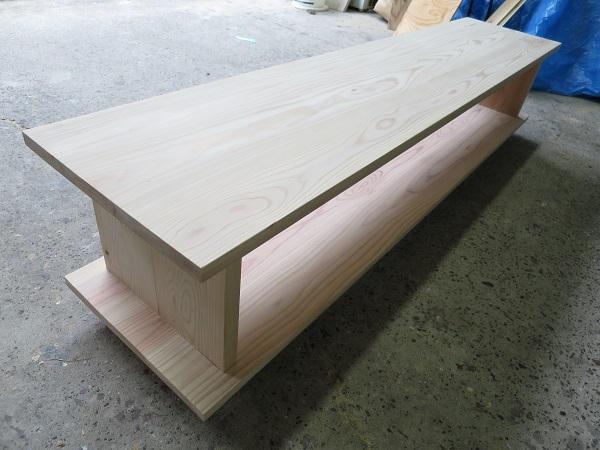 無垢の木のTVボード