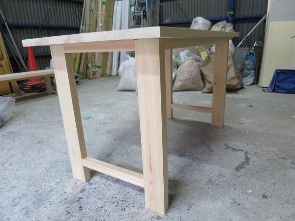 無垢桧のダイニングテーブル2