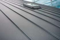 ガルバリウム屋根縦張