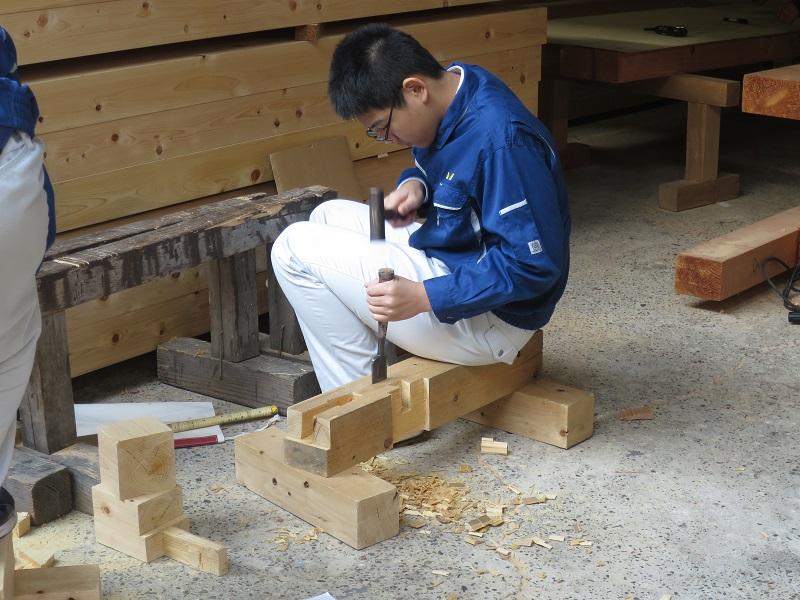 工業高校の生徒が職業体験