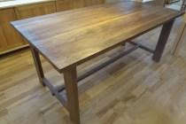 ブラックウォールナットのダイニングテーブル完成
