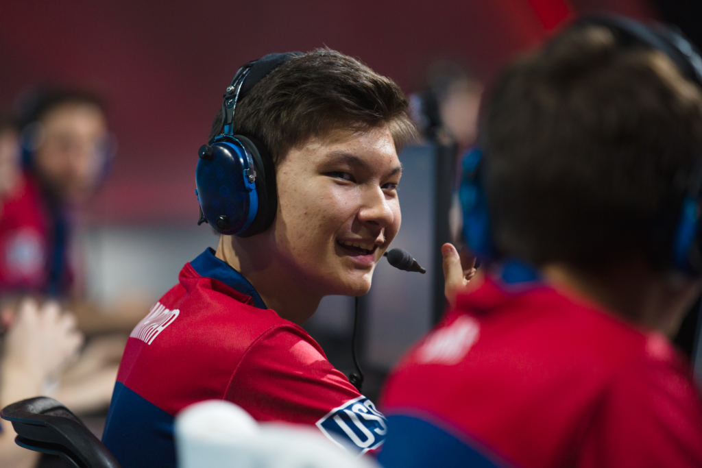 17 Year Old Overwatch Player Sinatraa Has Reportedly Signed A 150000 Overwatch League Contract