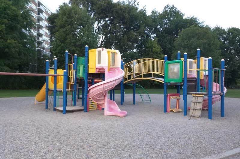 Детские площадки победившего капиталлизма