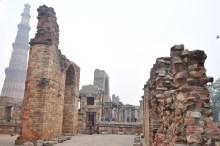 Mais partes das ruínas