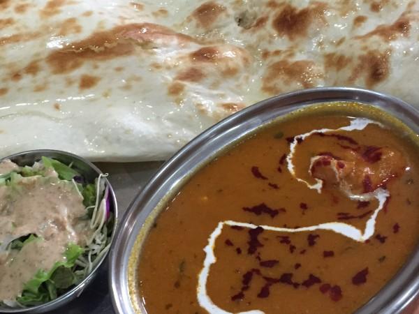 インド料理レストラン『ジャイ』京橋店でナンを満喫