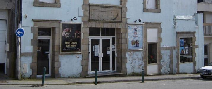 Facade du cinéma Le Club à Douarnenez