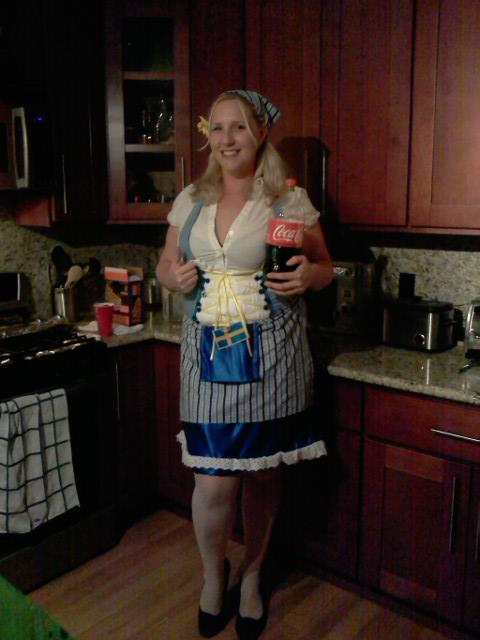 Aprilu0027s homemade beer girl costume and her evil boyfriend ...  sc 1 st  Double Chin Diary & beer maid costume Archives - Double Chin Diary