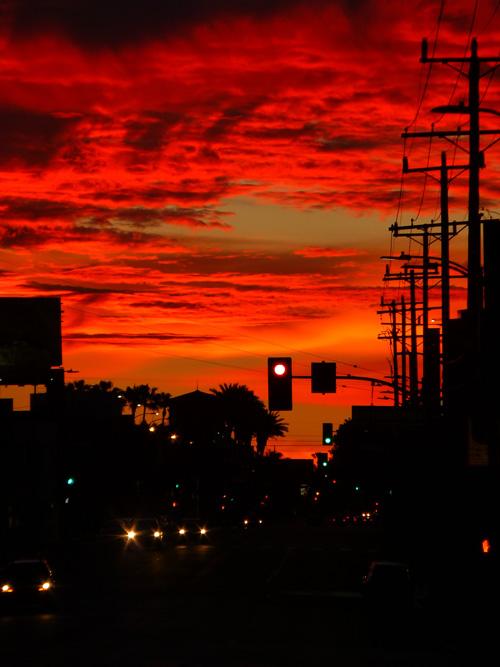 Sunrise_LosAngeles_Streetlights_DoubleChinDiary
