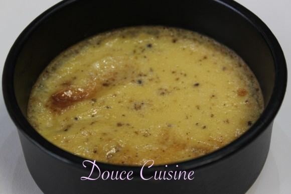 Crème caramel à la vanille et fève Tonka (recette de Cyril Lignac)