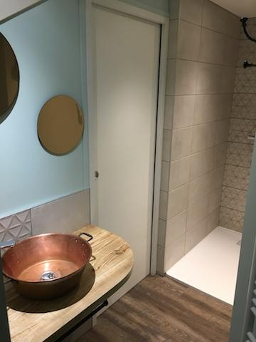 Miroirs ronds et bassine à confiture pour lavabo