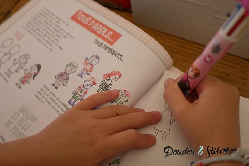 Je dessine au stylo 4 couleurs