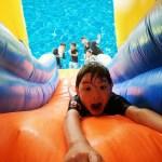 夏だ!プール開きで水遊び!巨大すべり台でハプニング!お家でウォータースライダー!