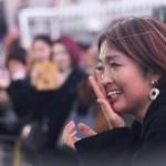 【Flashmob surprise】こぼれ落ちる感動の涙!道頓堀で 渡梓 のライブをみていたら まさかのサプライズ!大阪観光局理事長も祝福のため登場!
