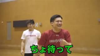 プロのバスケ選手がフリースロー対決をすると凄い!!!?