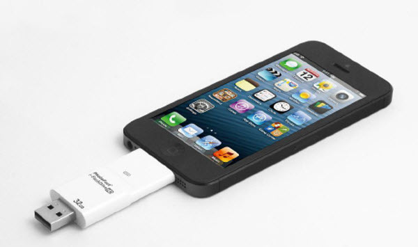 i-FlashDrive HD doubles your phone or iPad's capacity