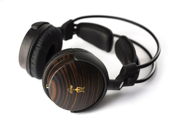 www.mezeheadphones.com;