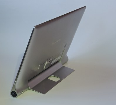 Lenovo Yoga Tablet 2 Pro rear view