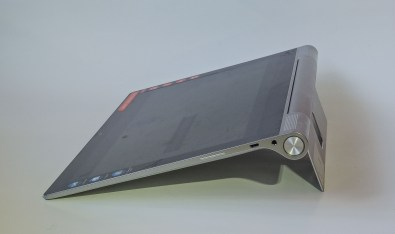 Lenovo Yoga Tablet 2 Pro in tilt mode
