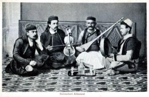 Suonatori Albanesi