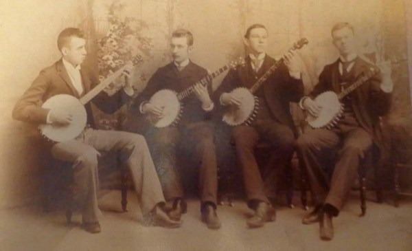 5 string banjo quartet