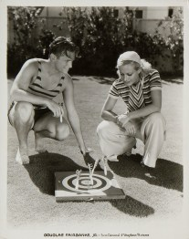Source: http://theredlist.com/wiki-2-24-525-527-973-view-1930s-3-profile-douglas-fairbanks-jr-2.html