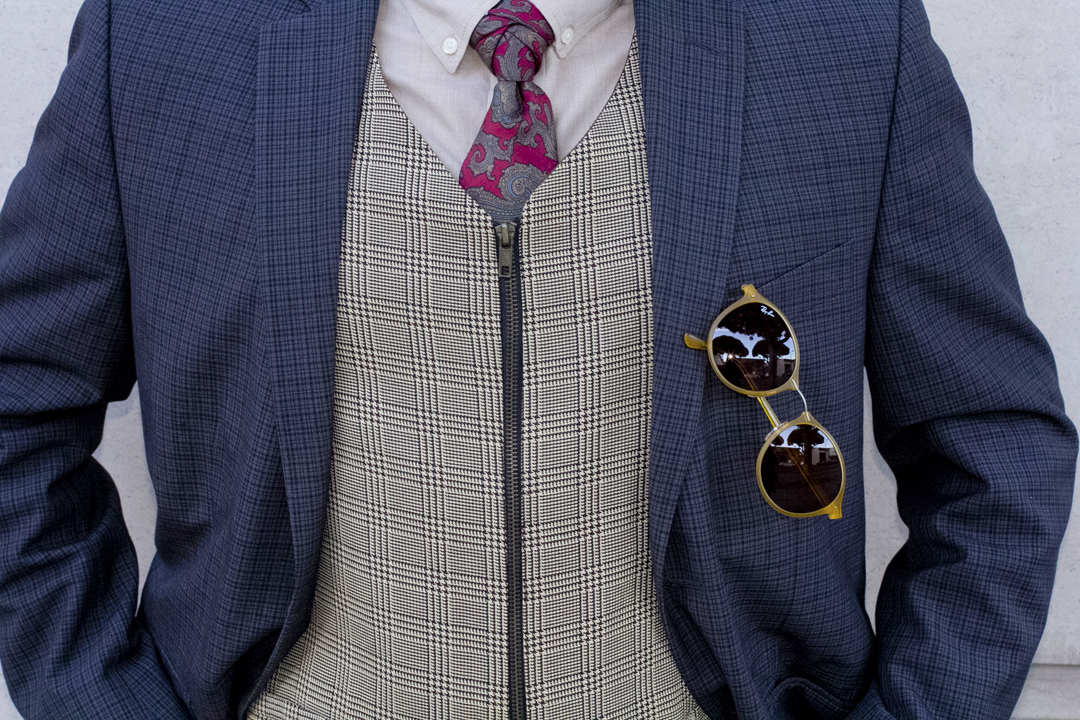 pattern suit and tie outfit