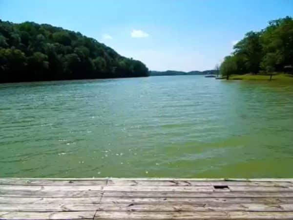Lake-View-Home-Page-9
